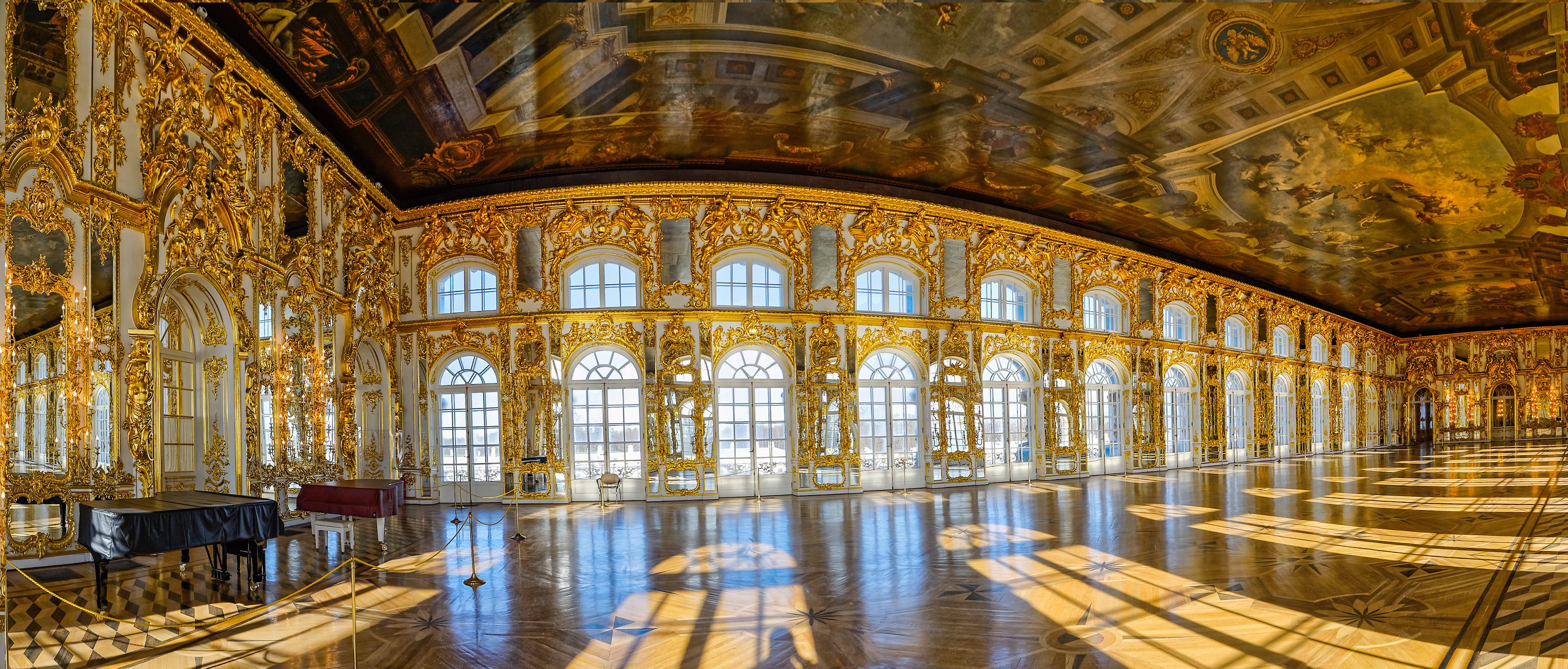 Dreamstime © - Saint-Pétersbourg - Tsarskoe Selo - Salle de balle (2).jpg