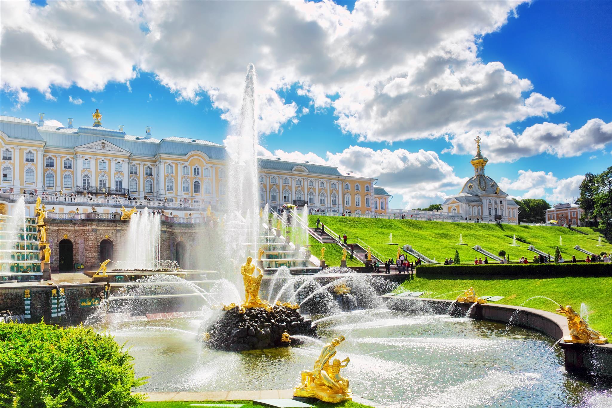 Dreamstime © - Saint-Pétersbourg - Peterhof - Jardins et fontaines (3)