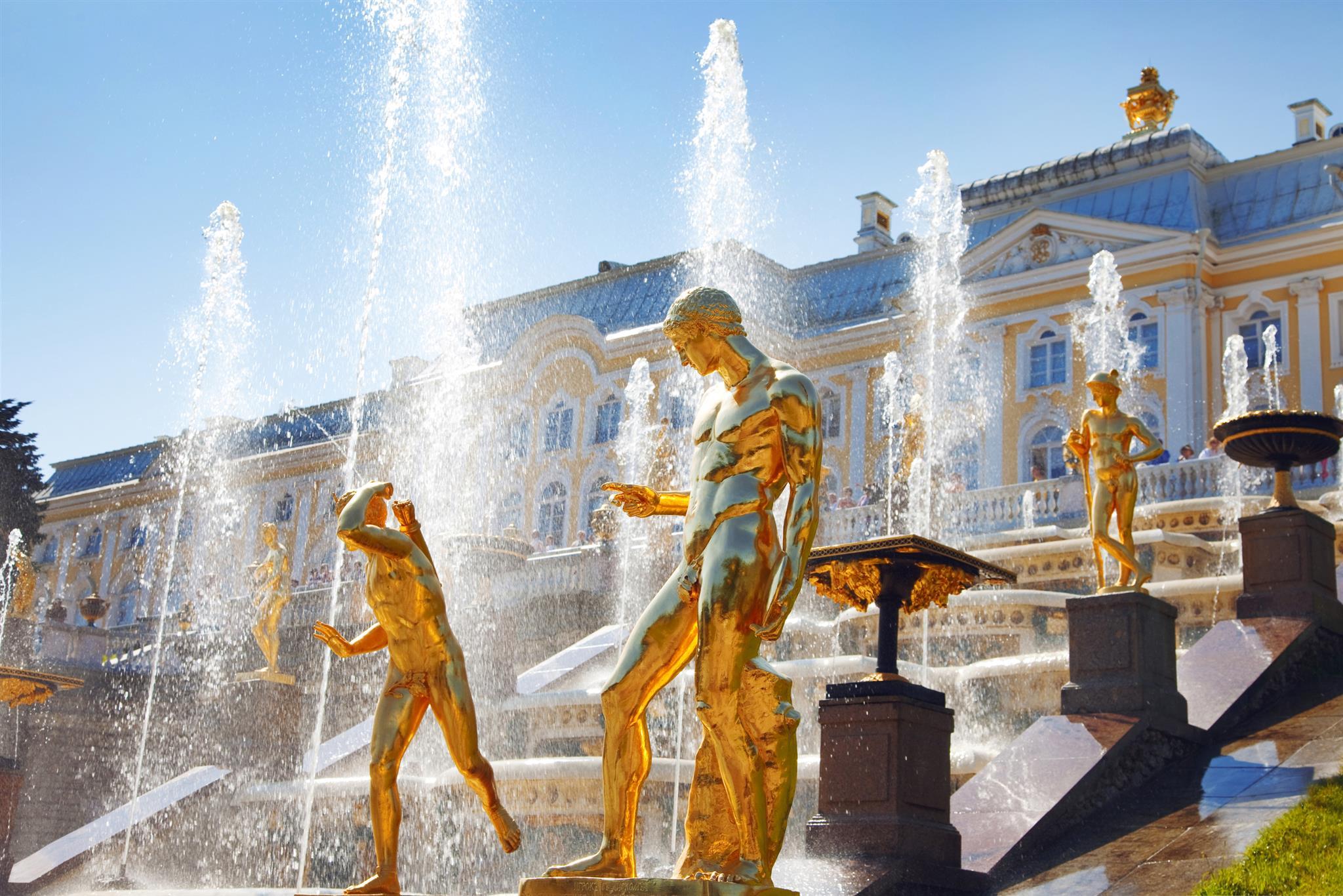 Dreamstime © - Saint-Pétersbourg - Peterhof - Jardins et fontaines (5)