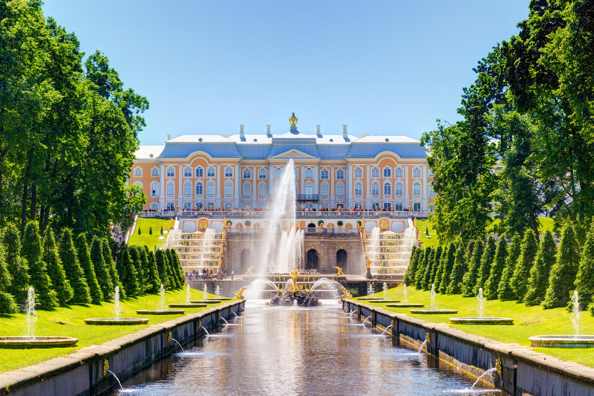 Dreamstime © - Saint-Pétersbourg - Peterhof - Jardins et fontaines (9)