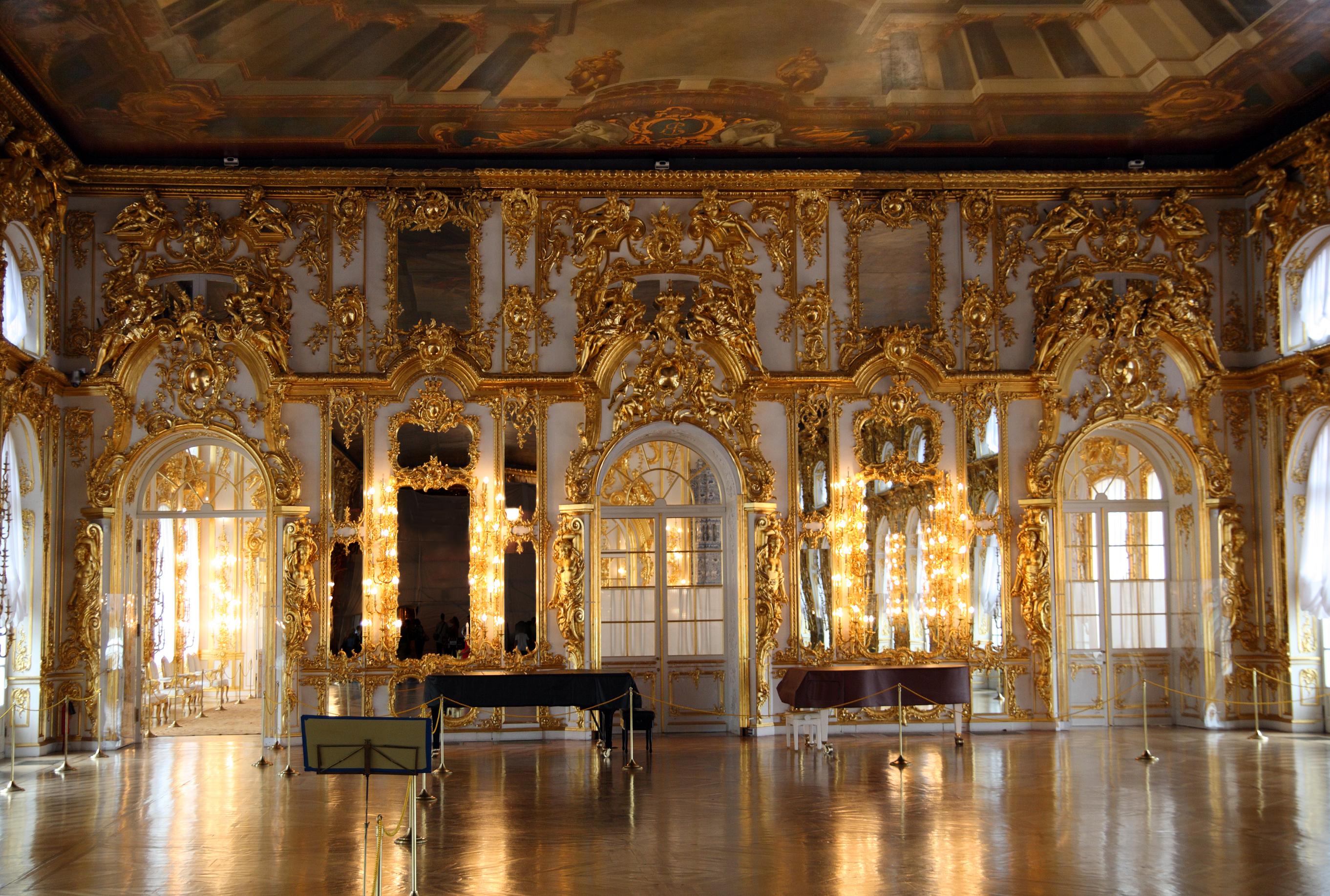 Dreamstime © - Saint-Pétersbourg - Tsarskoe Selo - Salle de balle.jpg