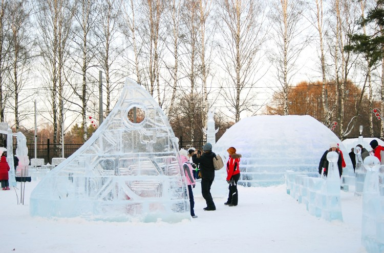 Picture: Ice-Sculpting in Sokolniki Park in Moscow